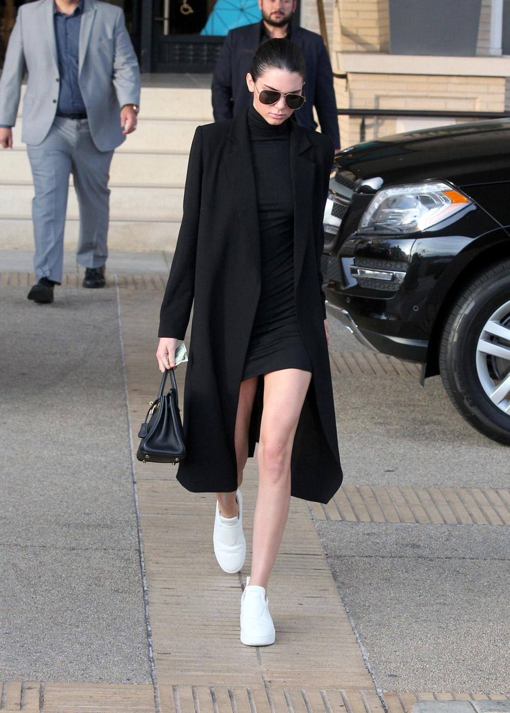 Kendal Jenner black outfit