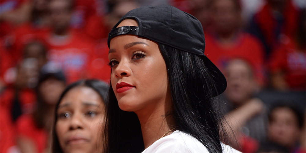 rihanna with hat