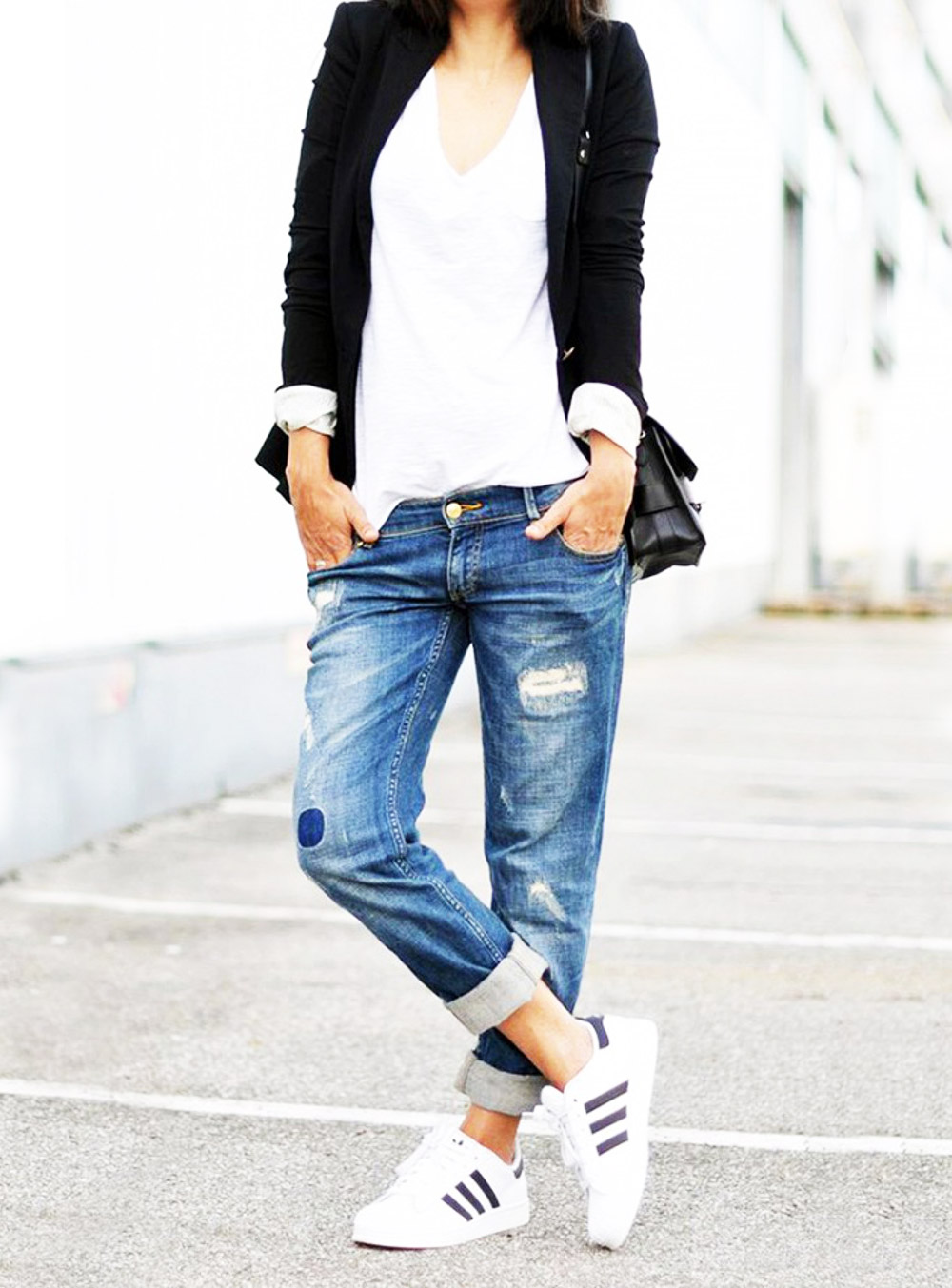 ripped jeans outfit