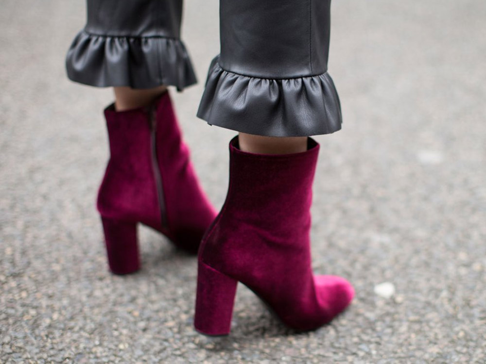 how to wear velvet shoes