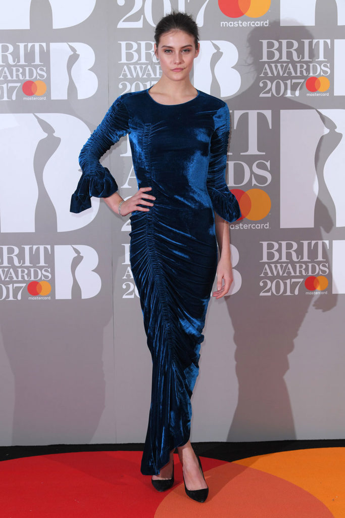charlotte wiggins red carpet outfit
