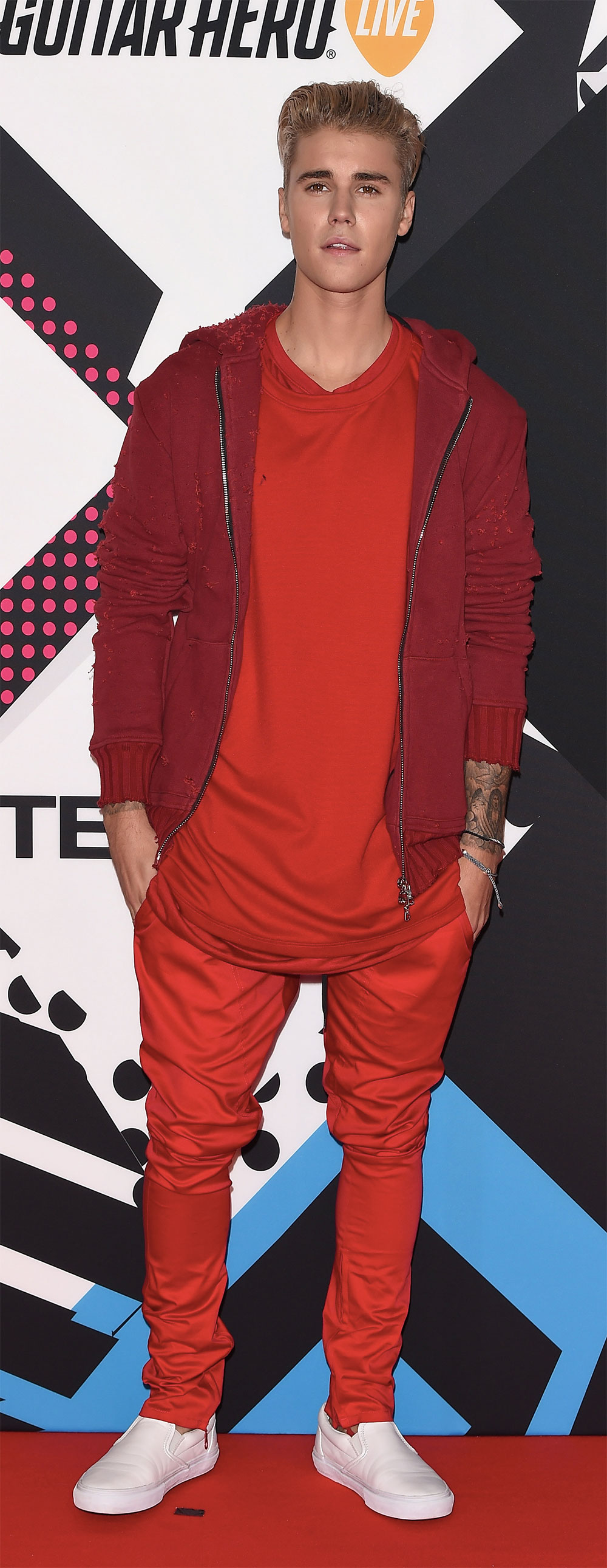 justin bieber monochrome outfit