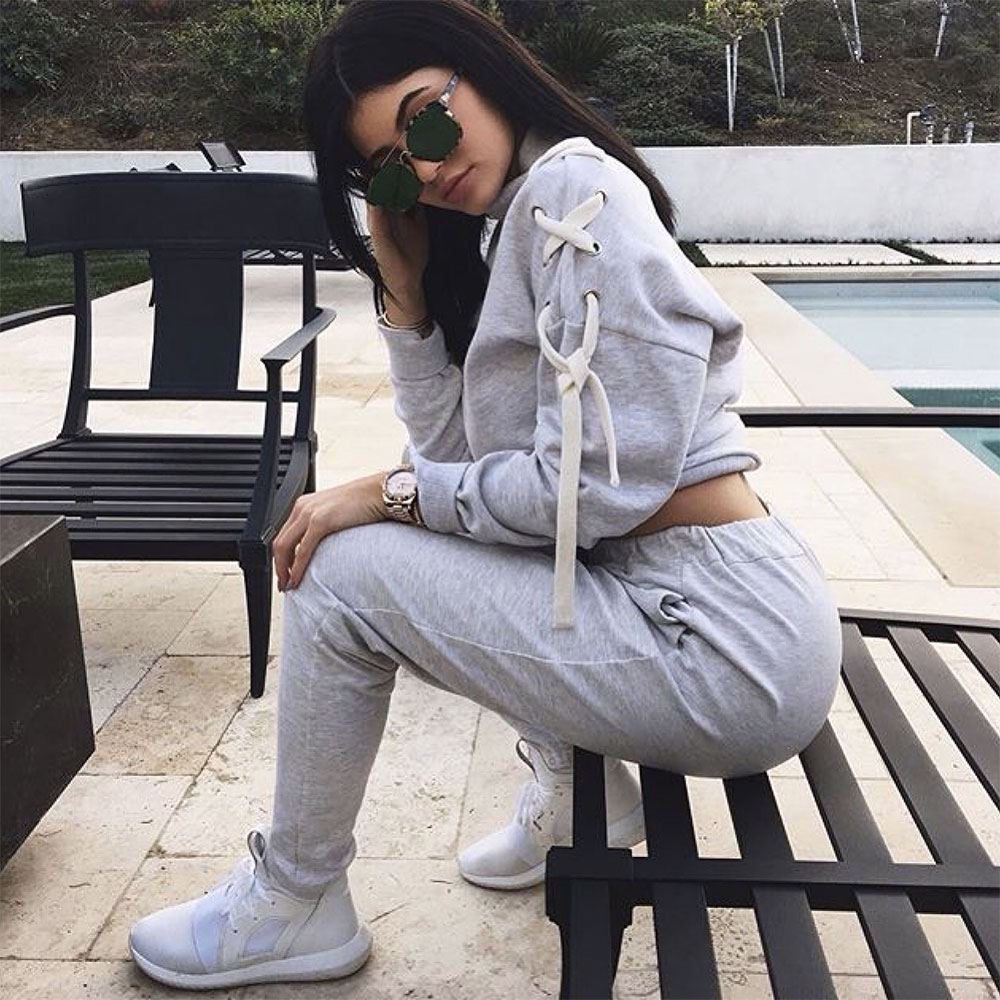 kardashian sweatsuit daily street oufit