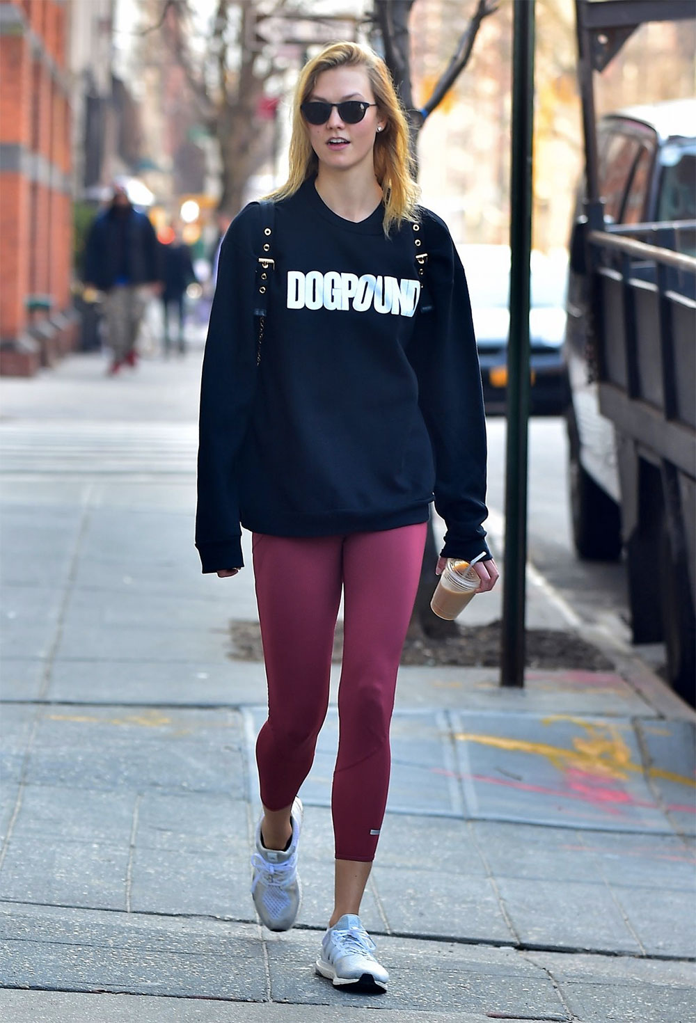 karlie kloss sport outfit