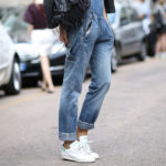 white sneakers outfit ideas