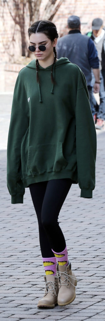 kendall jenner oversized hoodies