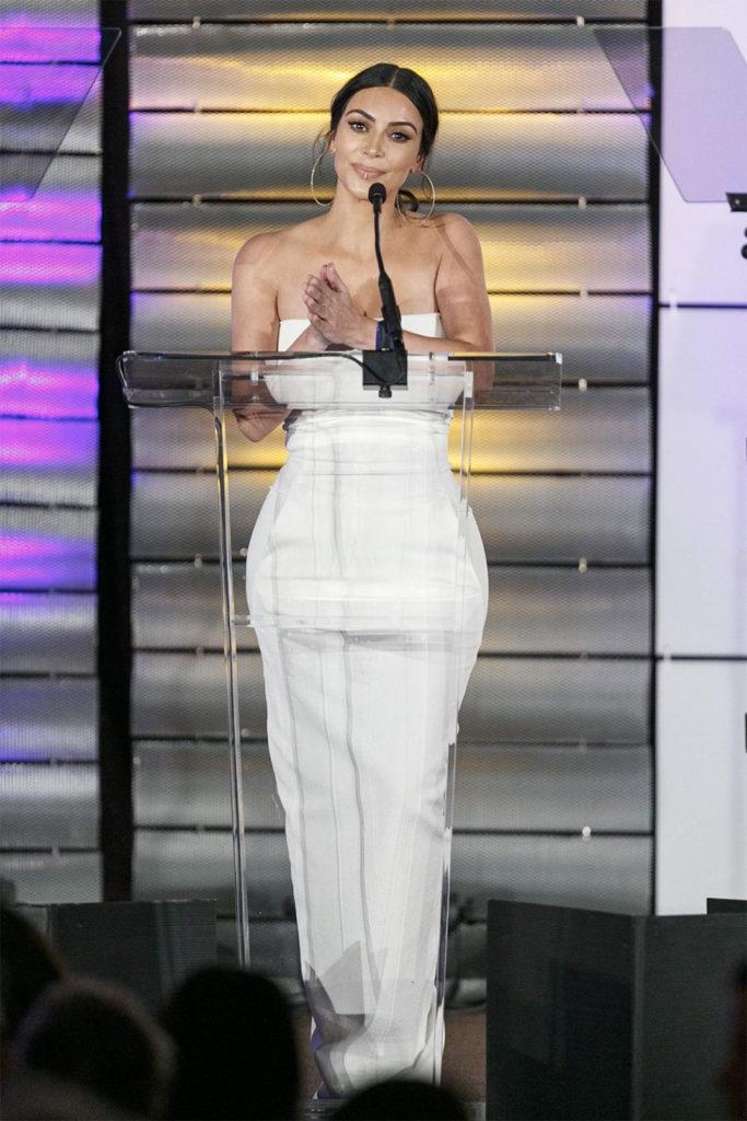 kim kardashian awards outfit