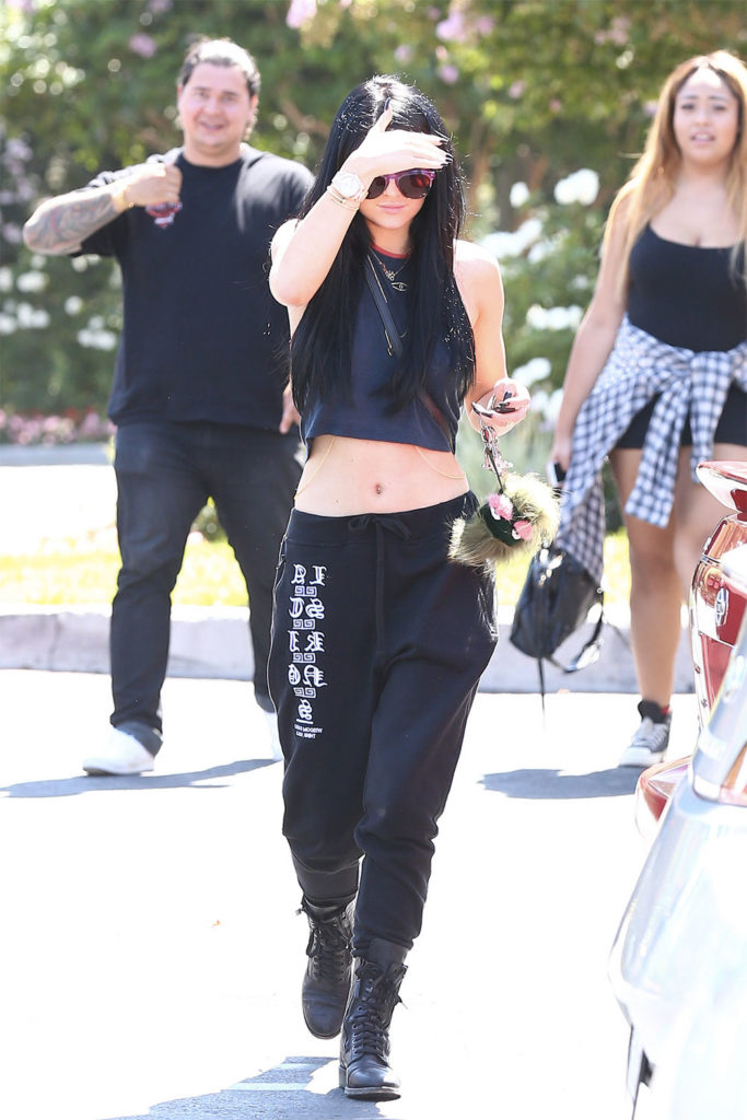 kylie jenner sweatpants
