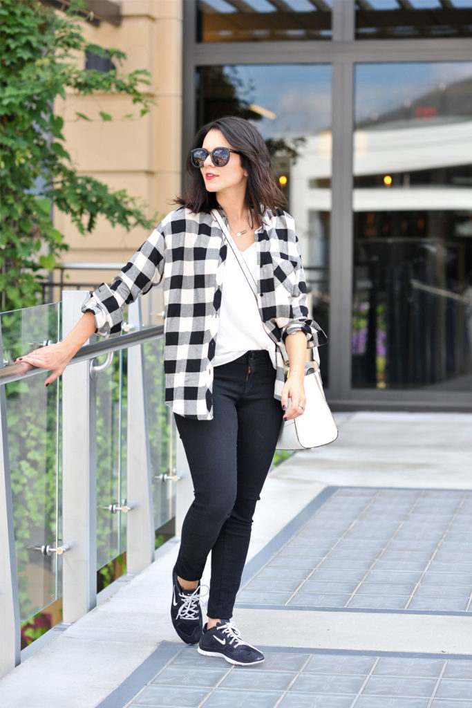 low top sneakers outfit