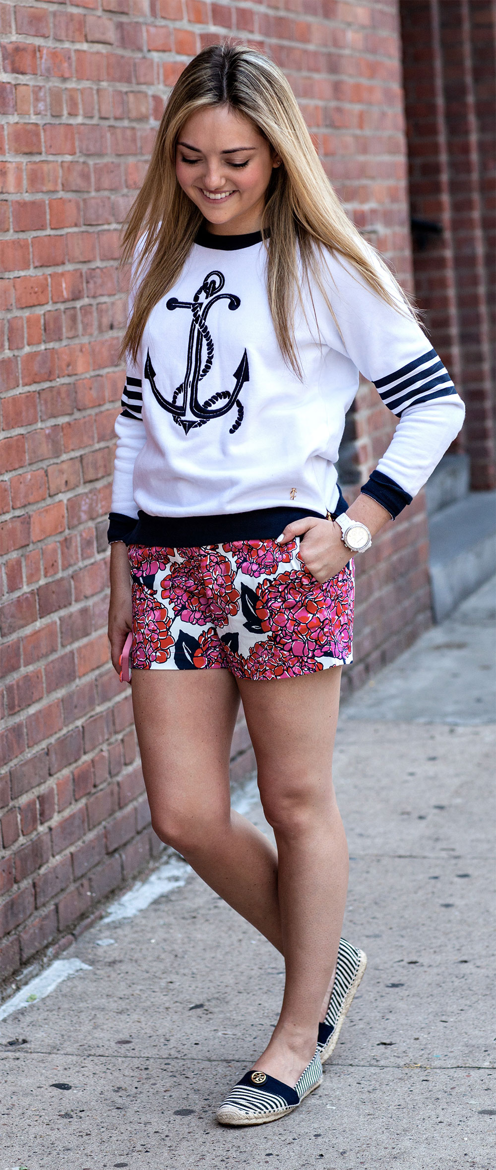 printed shorts anchor sweatshirt