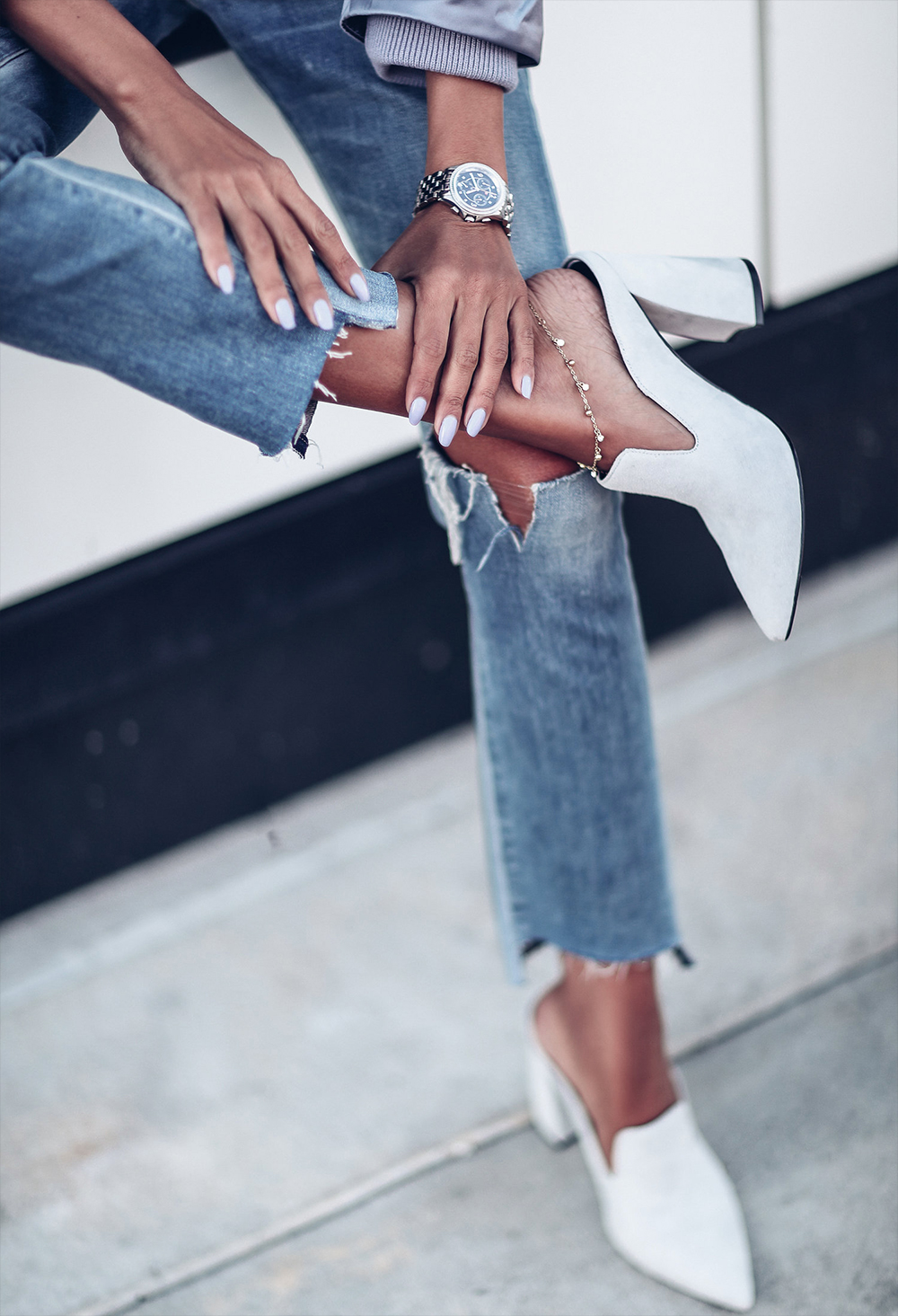 white mule shoes