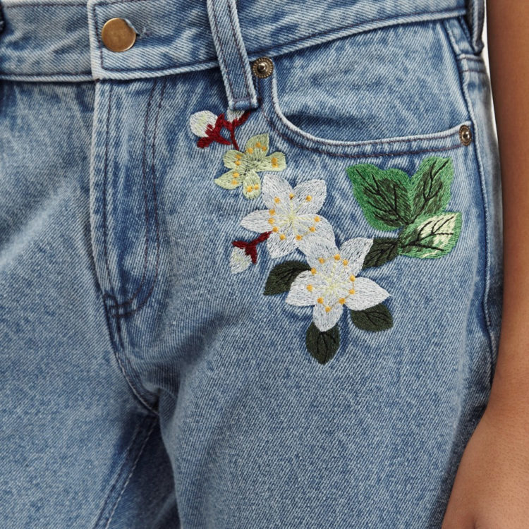 embroidery jeans outfits