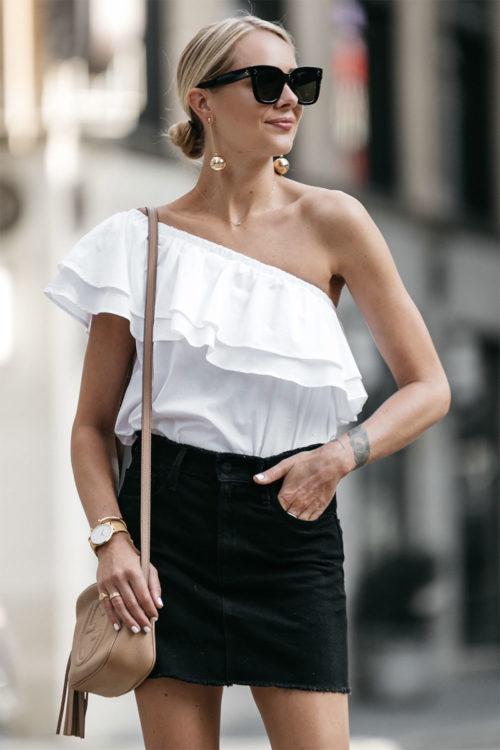 denim skirt outfit