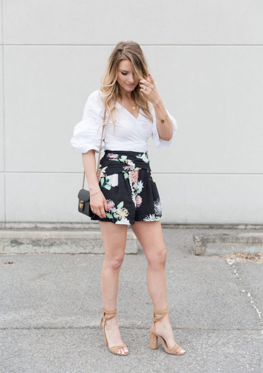 mini shorts outfit