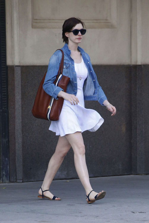anne hathaway denim jacket outfits