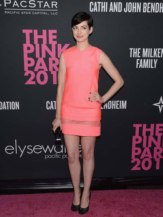 anne hathaway with pink mini dress